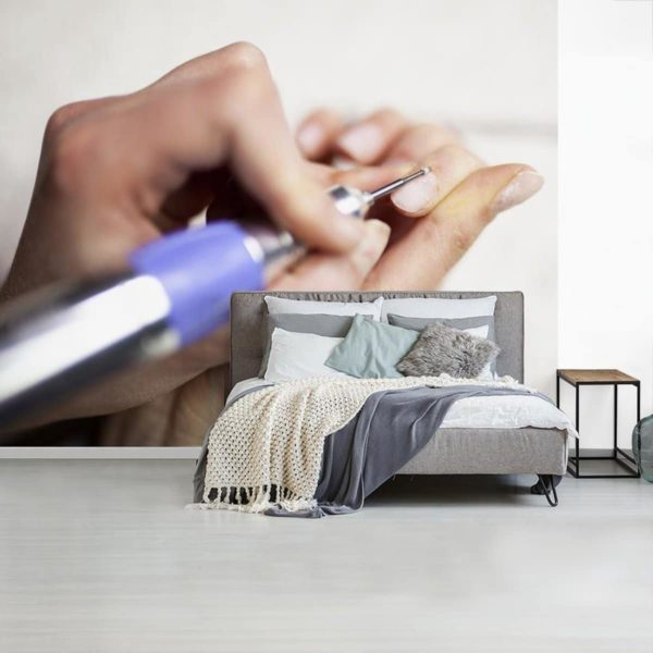 Fotobehang Nail Art - Elektrische nagelvijl breedte 375 cm x hoogte 300 cm - Foto print op vinyl behang (in 7 formaten beschikbaar) - slaapkamer/woonkamer/kantoor