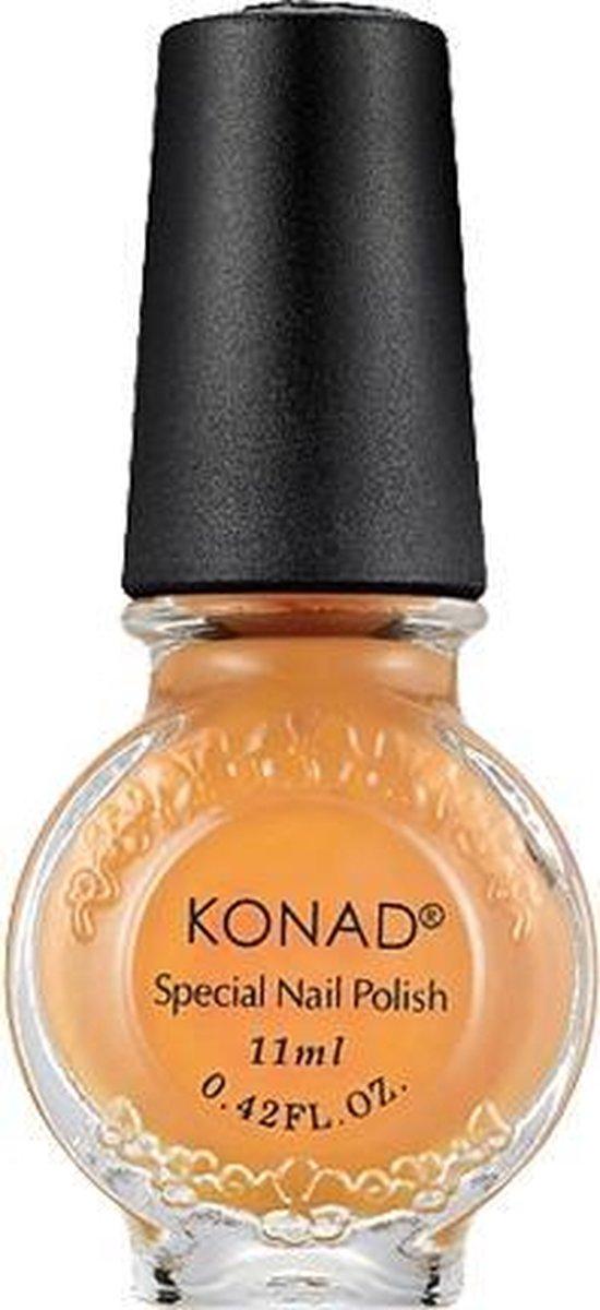 KONAD stempellak PASTEL ORANJE / PASTEL ORANGE 10, 11 ml. Stempellak is speciaal ontwikkeld en is viskeuzer dan gewone nagellak, zodat het stempel motief op het stempel sjabloon optimaal gevuld wordt.