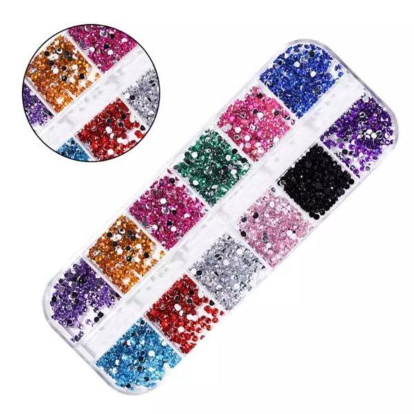Nail art diamonds bakje 12 st. diverse kleuren