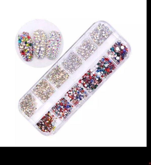Nail art diamonds steentjes bakje 12 st. 3 kleuren