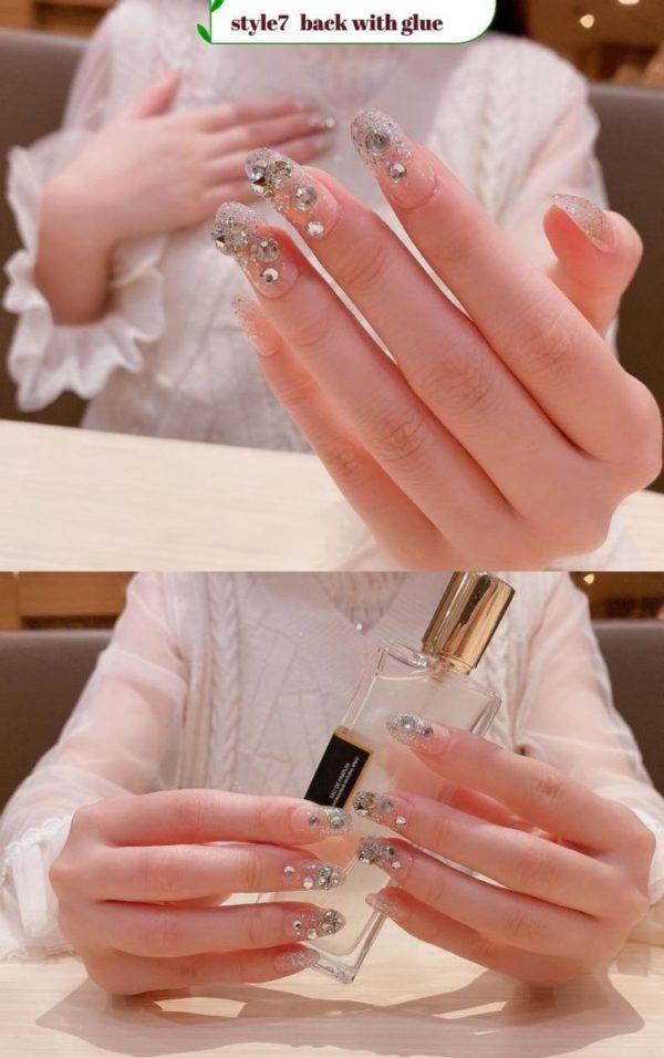 Plaknagels / Nageltips Zilver + Strass + Glitters - 24 stuks - Plaknagels / Nepnagels met lijm - French Nail Art Plaknagels Tips Acrylnagels & Gelnagels - Nepnagels Set
